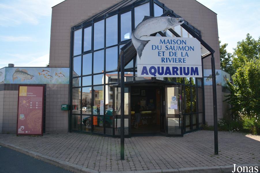 Les zoos dans le monde la maison du saumon et de la rivi re for Maison du monde site officiel