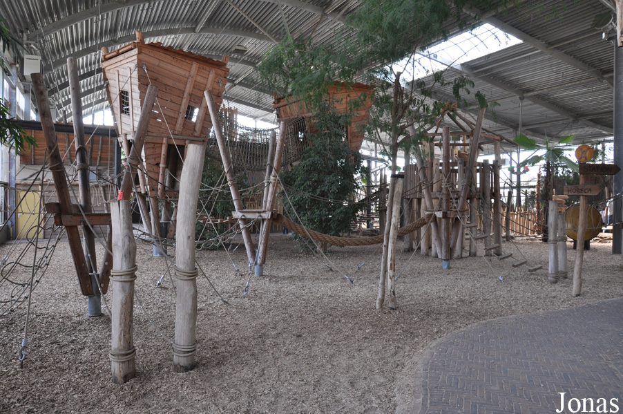 les zoos dans le monde ouwehands dierenpark rhenen. Black Bedroom Furniture Sets. Home Design Ideas