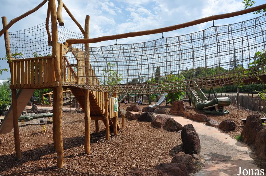 les zoos dans le monde la ferme aux crocodiles. Black Bedroom Furniture Sets. Home Design Ideas